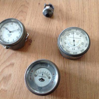 Smiths Vintage Instruments. Very Rare Anaroid, Ampmetre and Light Instrument & Clock
